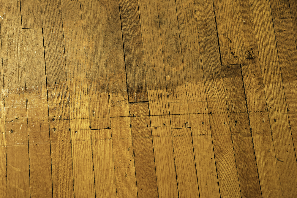 Home Renovation Refinishing Floors And Woordwork In A Vintage House