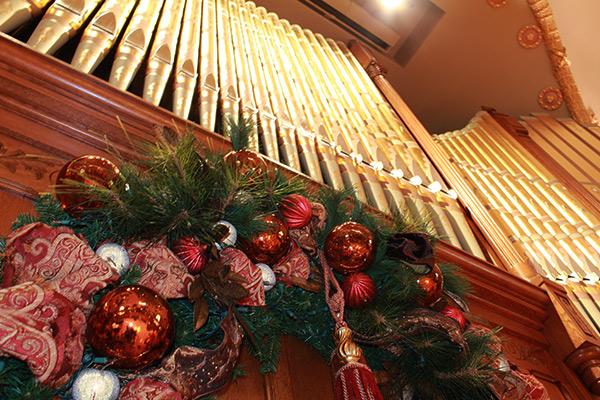 Grand Hall Holiday Decoration