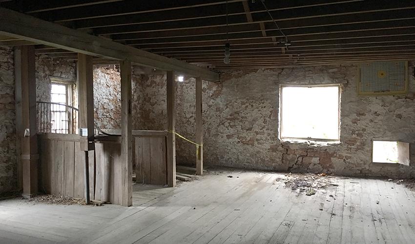 Cravenhurst Barn, Madison interior 3