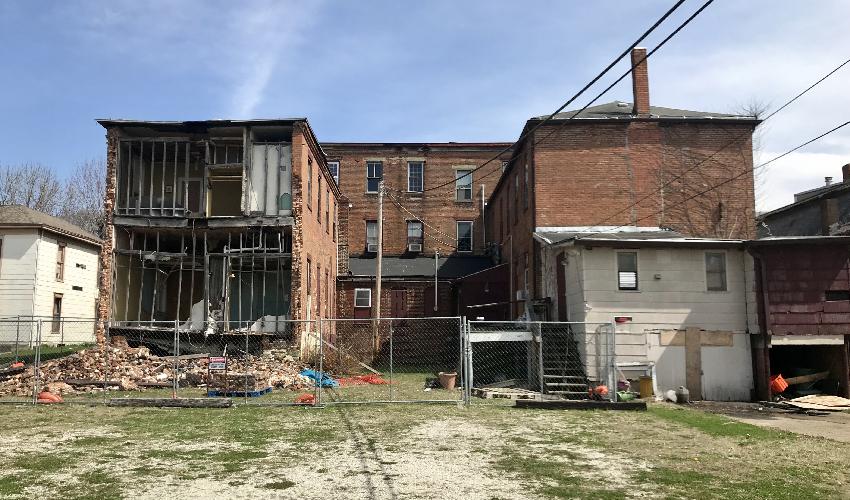Partial collapse at Hotel Attica