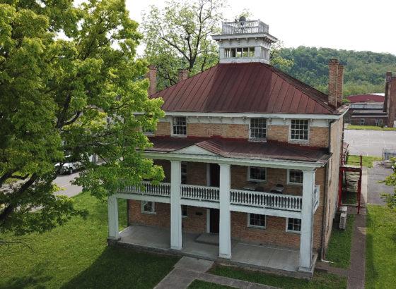 Dobell House Greendale for sale