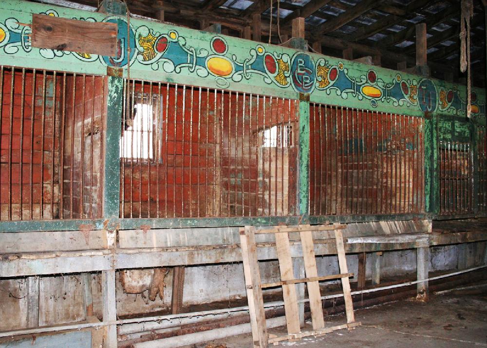 Terrell Jacobs circus barns