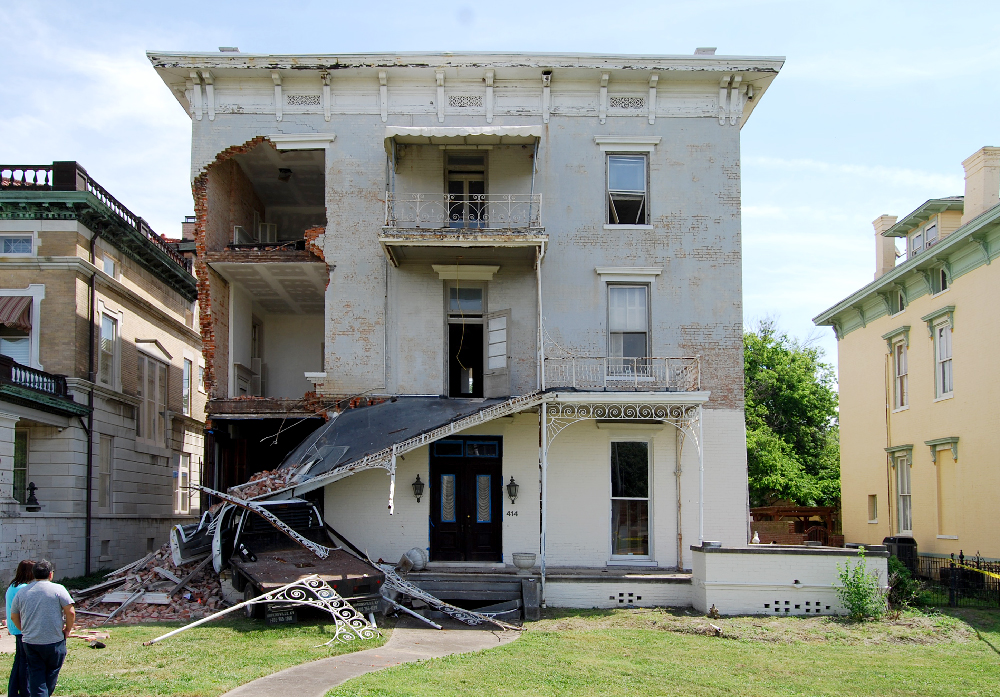 Fine Engineers Stabilize Historic House Damaged By Crash Download Free Architecture Designs Rallybritishbridgeorg