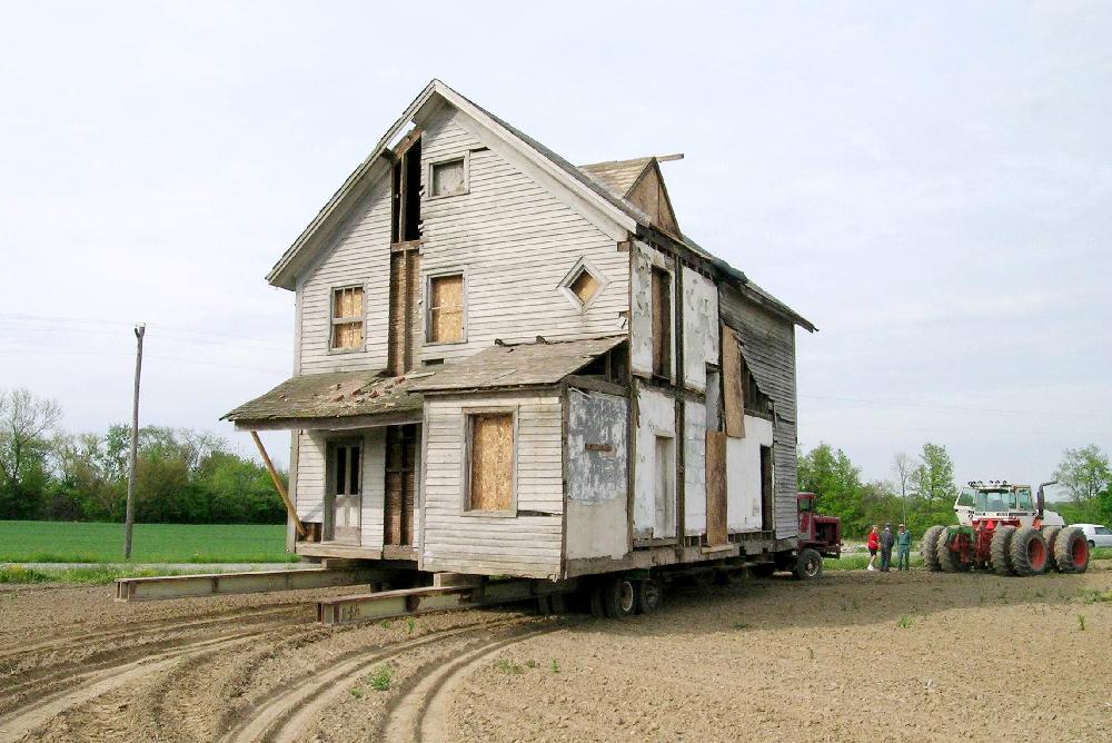 Wyneken House moving
