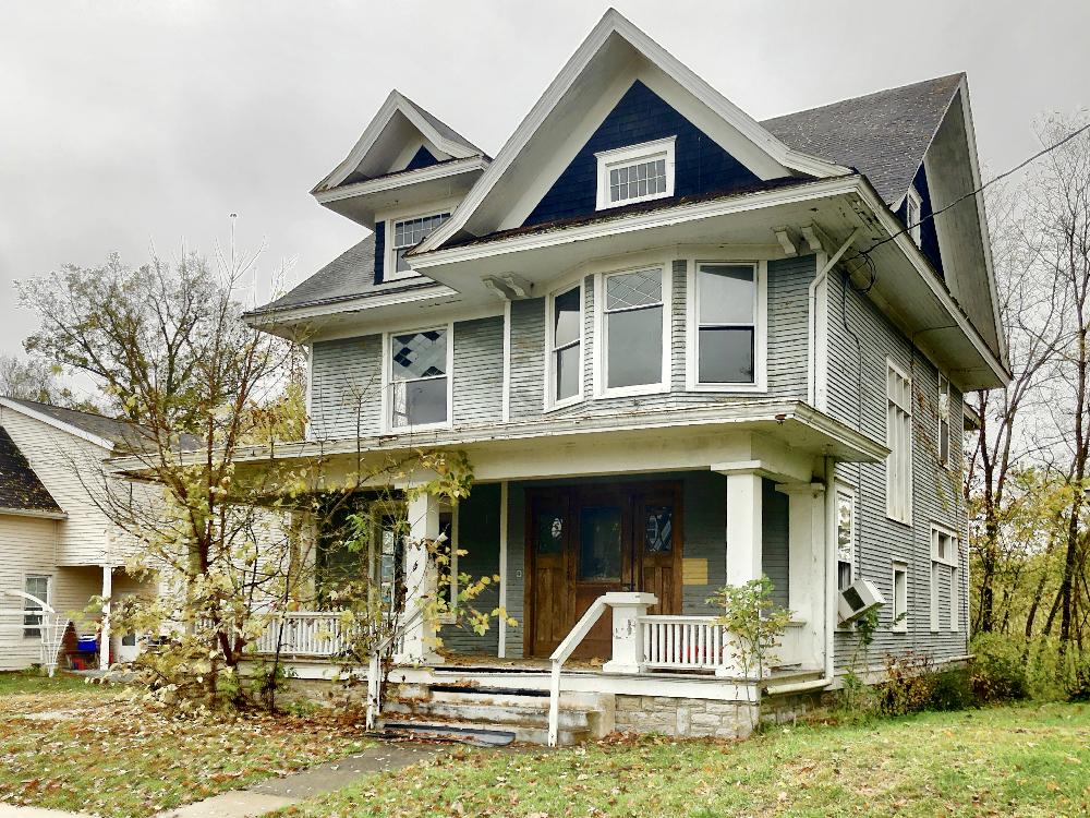 207 Hanover Ave House Aurora