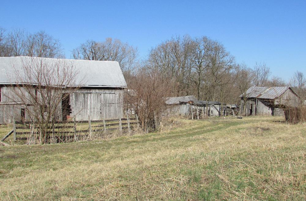 Mitsch Farm barns, Floyd County