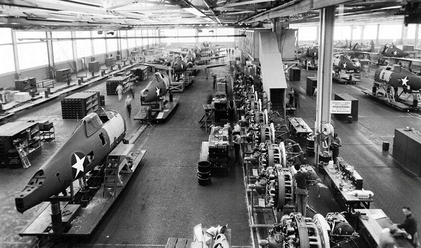 Evansville P47 factory IDORAs assembly lines - Credit The Harold Morgan Collection