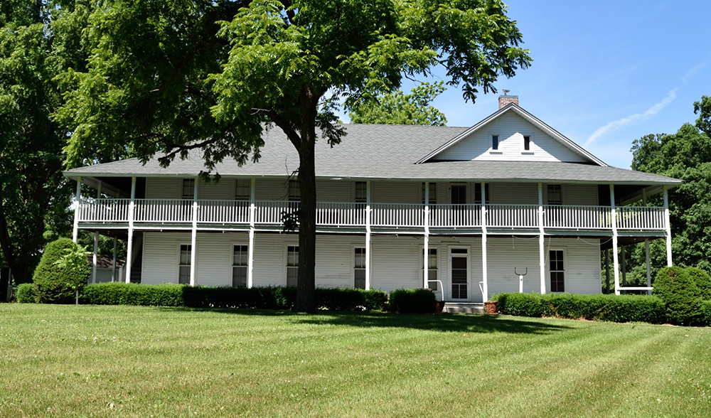 Fountain Park Hotel, Remington